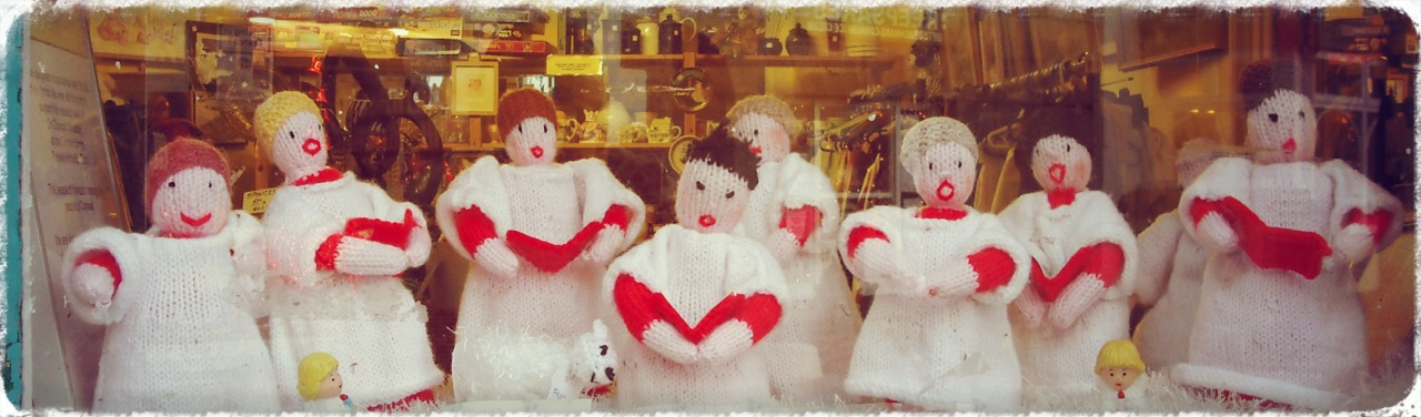 Woolly Xmas Choir, Marazion Charity Shop